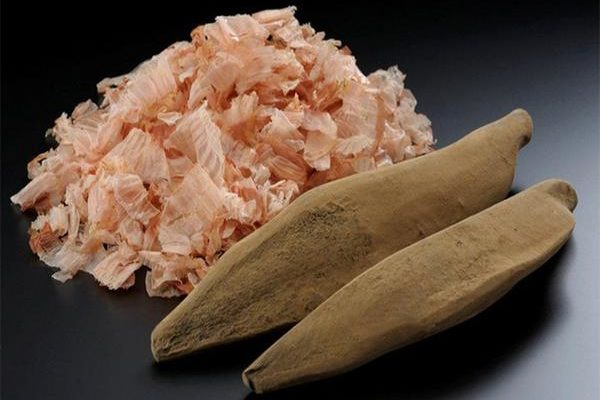 Katsuobushi (Dried Bonito Flakes): What are They and How to Use Them?